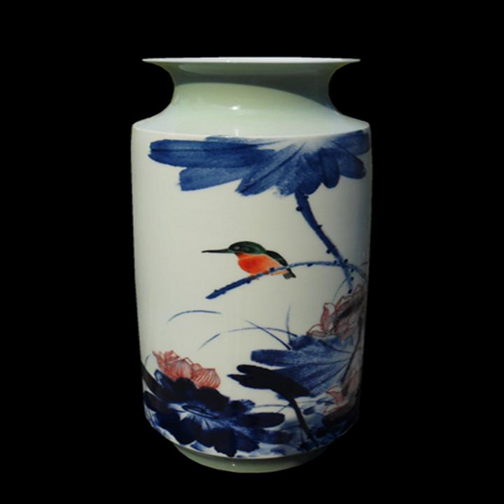 青花斗彩瓷瓶