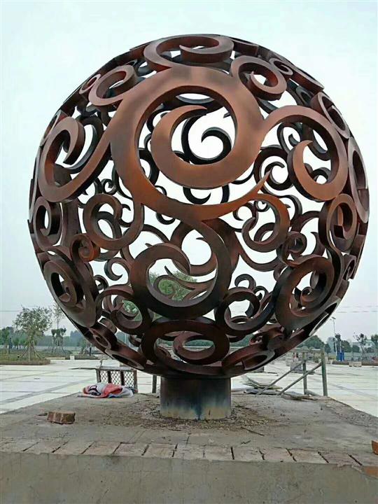 不锈钢雕塑24