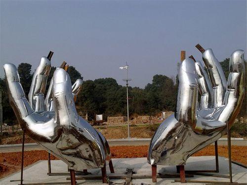 不锈钢雕塑28