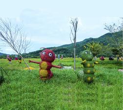 稻草雕塑糖宝等动物