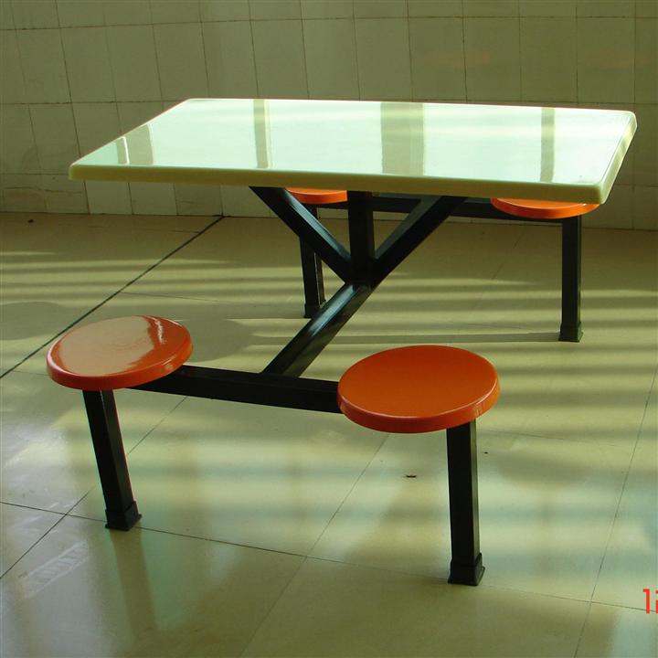 四人位圆凳餐桌  惠州厂家直销 玻璃钢连体食堂餐桌椅