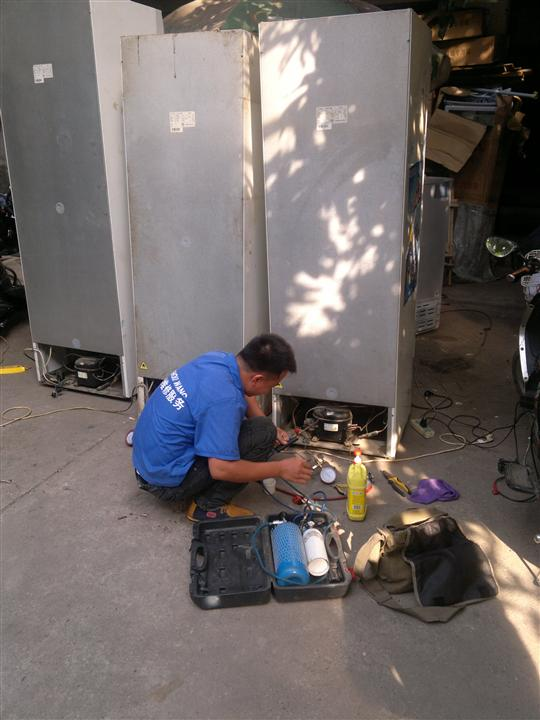 南宁市冰柜、厨房冷柜故障上门维修